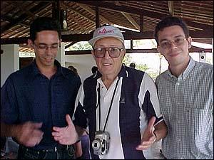 Will Eisner no Brasil, entre Fernando Lima e J.J. Marreiro, durante entrevista para o UHQ.