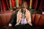 Djimon Hounsou, como Meia-Noite, em Constantine