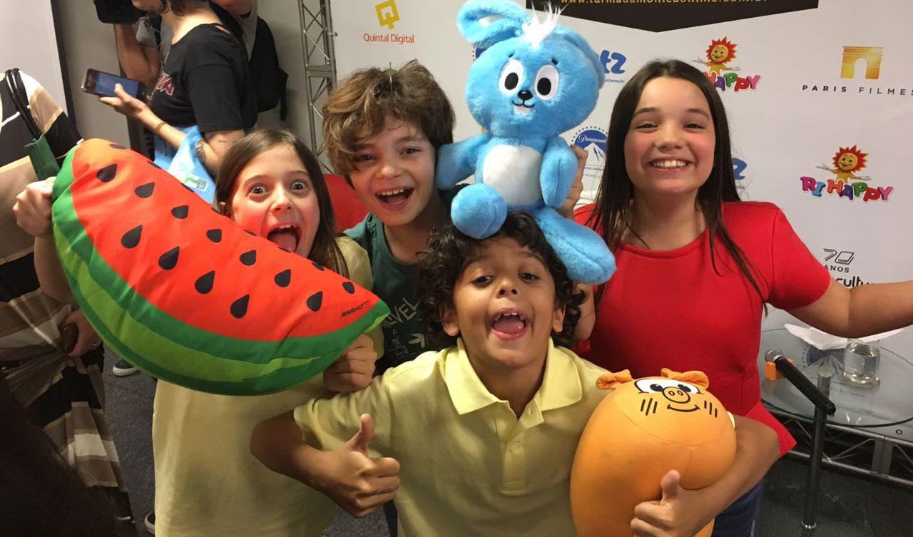 Da esquerda para a direita: Laura Rauseo (Magali), Kevin Vechiatto (Cebolinha), Giulia Benite (Mônica) e Gabriel Moreira (Cascão) - Foto por Marcelo Naranjo