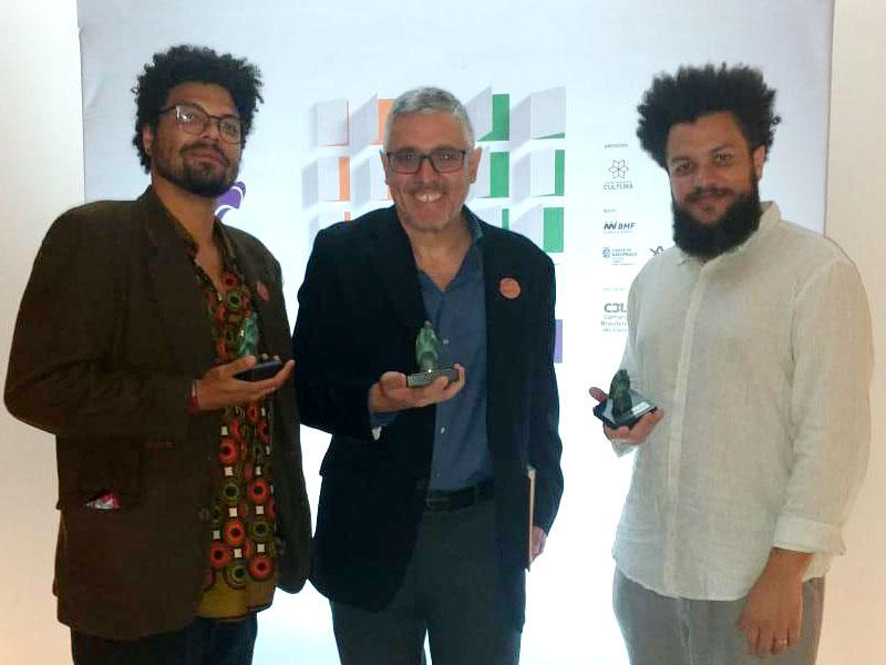 Da esquerda para a direita: Rafael Calça, Sidney Gusman e Jefferson Costa
