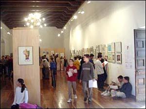 Visitantes na IX Muestra Internacional de Humor Gráfico de Alcalá de Henares