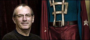 Dave Gibbons no set de Watchmen